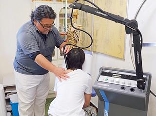 赤外線レーザー治療器